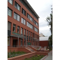 Szent Imre Kórház - Szakambulanciák, R épület (Fotó: epiteszforum.hu)