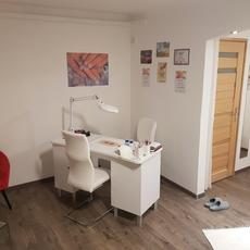 Heni Kozmetikai Stúdió