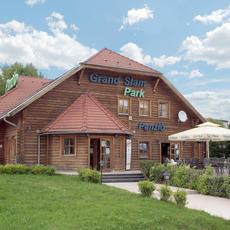 Grand Slam Park étterem, terasz, kerthelyiség
