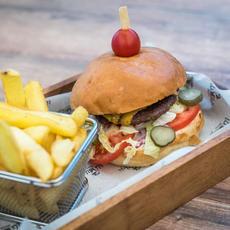 VakVarjú Beach Bistro - Kopaszi gát hamburger