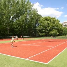 Nyéki Imre Uszoda és Érem utcai Sportcsarnok: teniszpálya