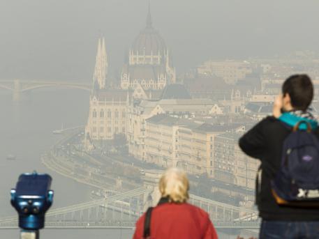 Egy szmogos napon, fotó: Szigetvári Zsolt, MTI