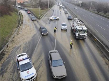 A Budaörsi úti csőtörés (forrás: MTI)