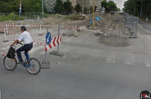 Pont egy éve így nézett ki az Etele út, fotó: google maps
